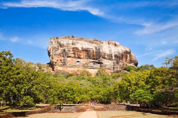 Private Day Tour in Sigiriya & Dambulla